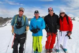 Heli skiing guides in Alaska