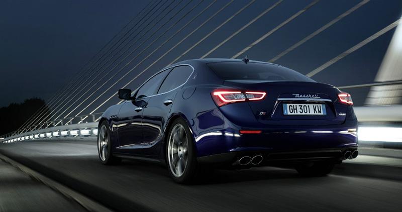 2014-Maserati-Ghibli-rear
