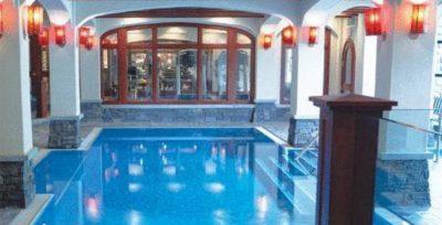 Post Hotel Lake Louise Pool