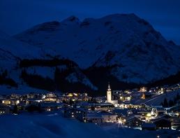 Lech-austria-at-night