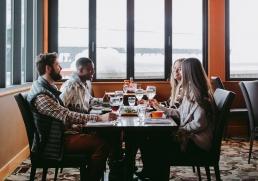 sunshine-lodge-Canada-dining